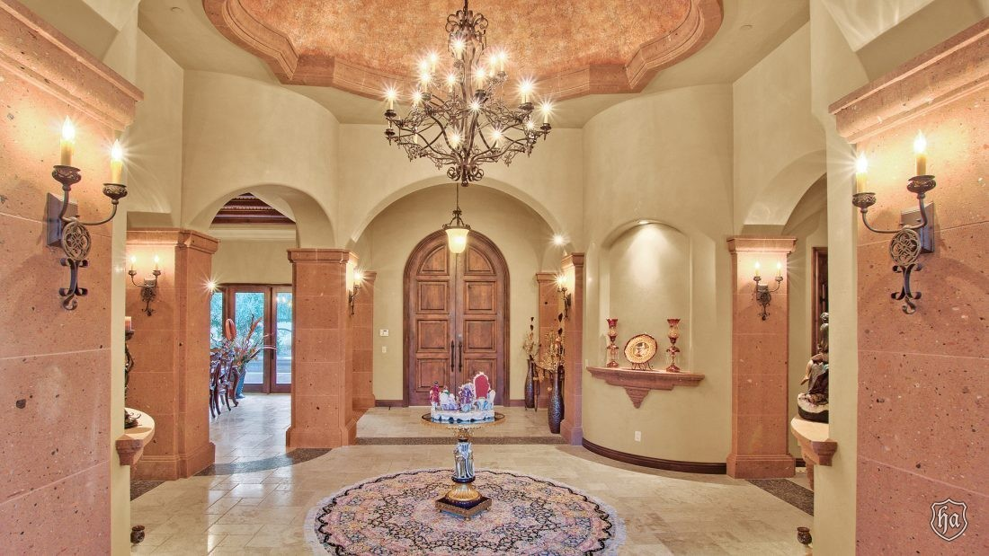 5401_East_Mockingbird_Lane_Paradise_Valley_AZ_Foyer