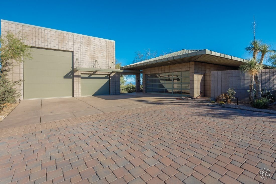 30643_North_136th_Street_Scottsdale_AZ_Garage