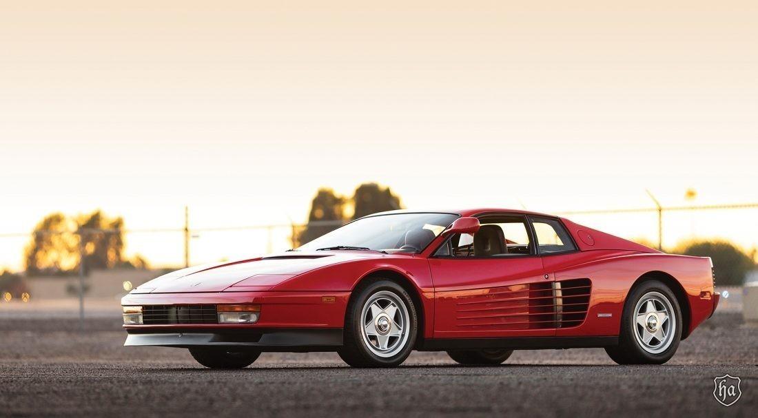 1986_Ferrari_Testarossa_Flying_Mirror