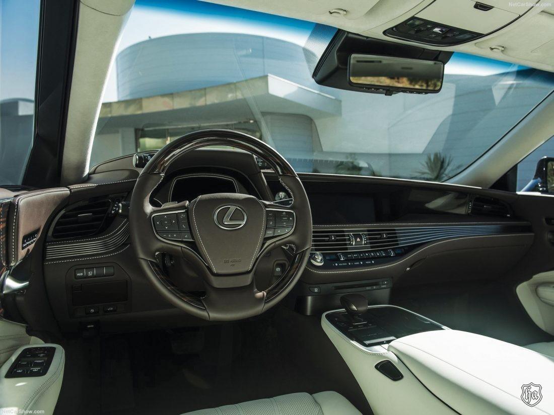 2018_Lexus_LS_500_interior