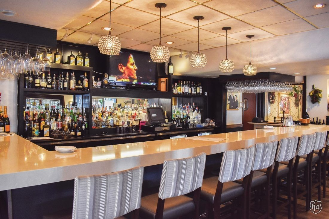 Tomasos_Italian_Restaurant_Bar