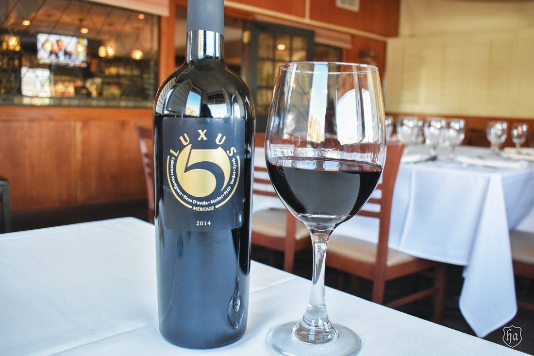 Tomasos_Italian_Restaurant_Luxus_Wine