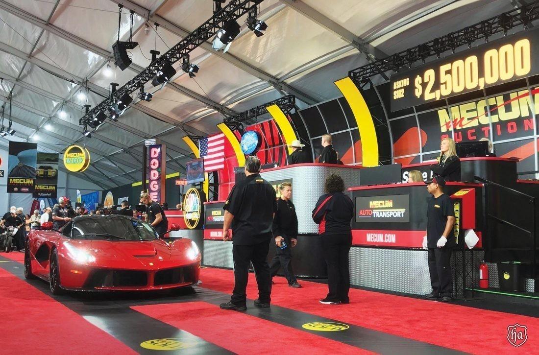 Mecum_Monterey_2014_Ferrari_LaFerrari_sold_for_$2,640,000