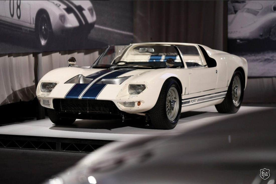 RM_Sothebys_1965_Ford_GT40_Roadster_Prototype_sold_for_$7,650,000