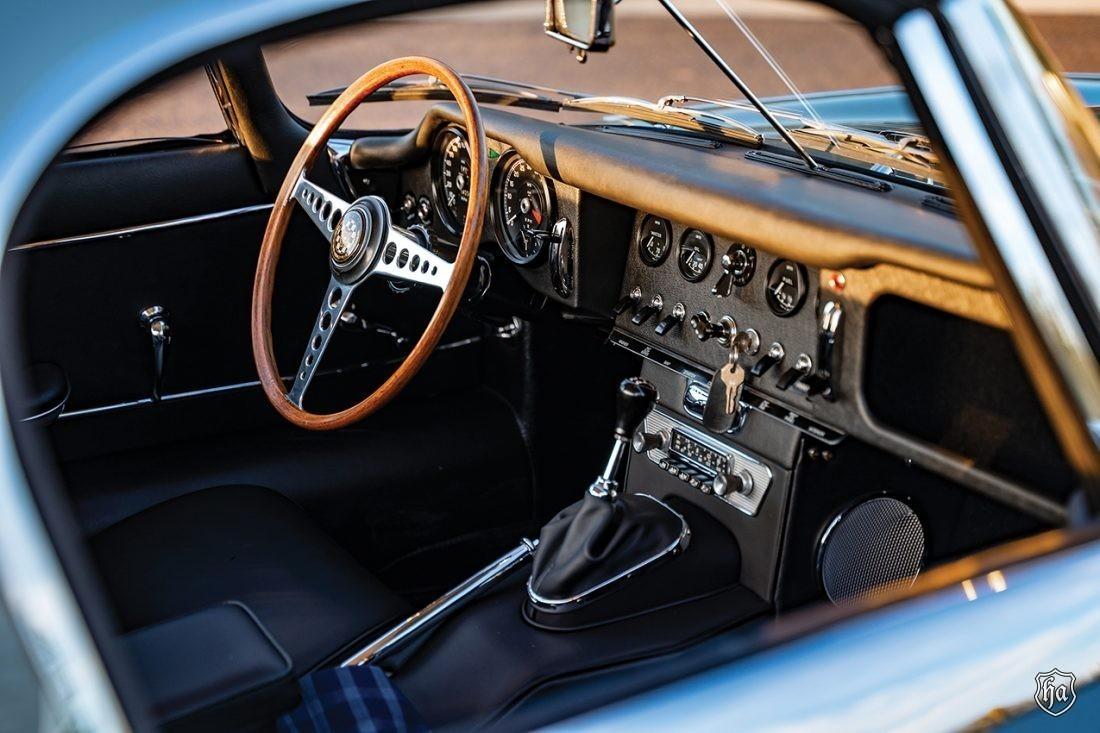 1954_Jaguar_XK_120_SE_1