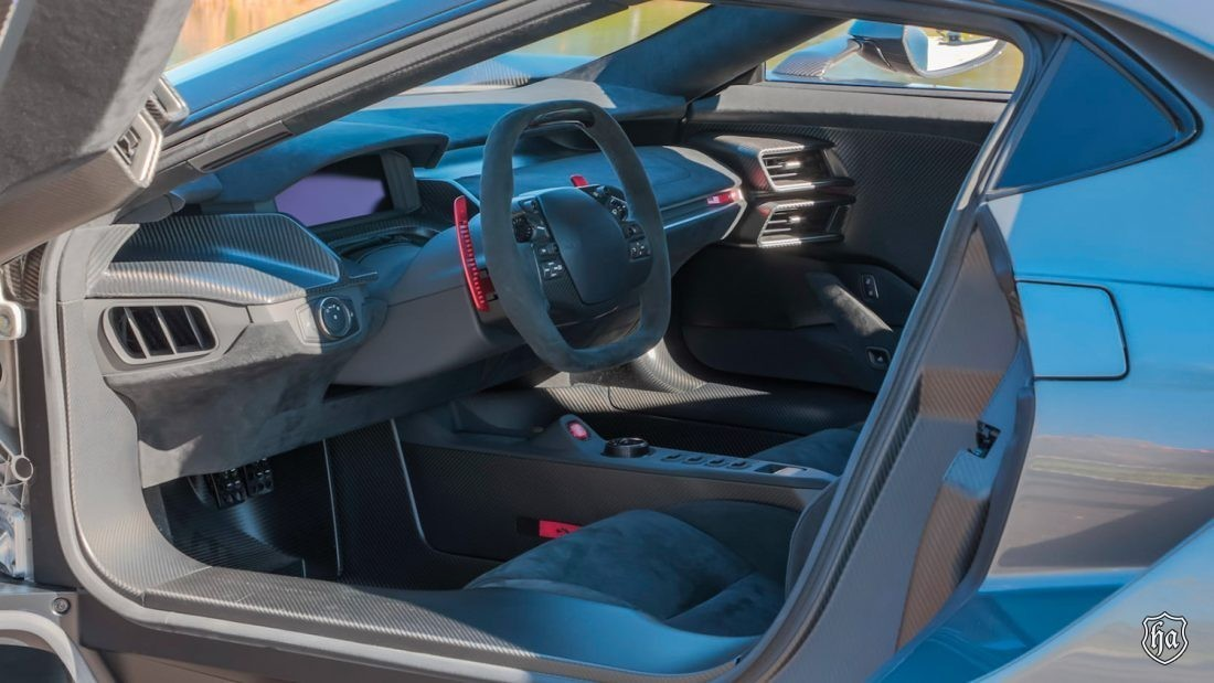 mecum_auctions_glendale_2020_2017_Ford_GT_Competition_Series_interior