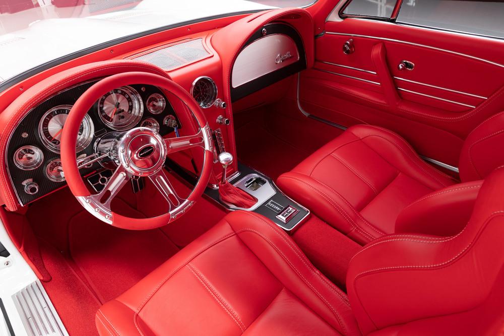 1963_Chevrolet_Corvette_Split_Window_Coupe_2