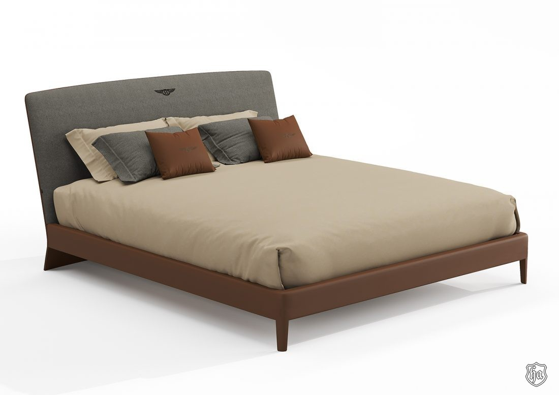 Newent_leather bed 2