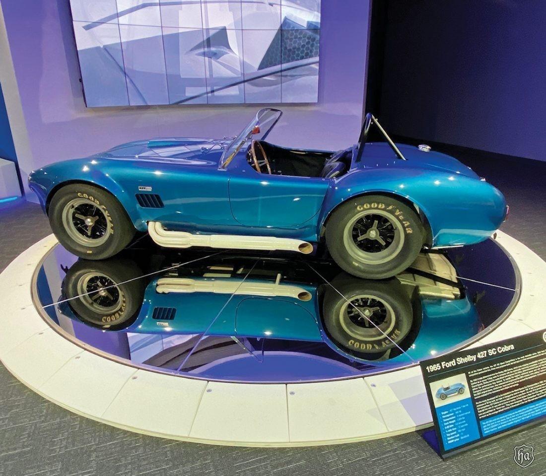 1965_Ford_Shelby_427_SC_Cobra_2