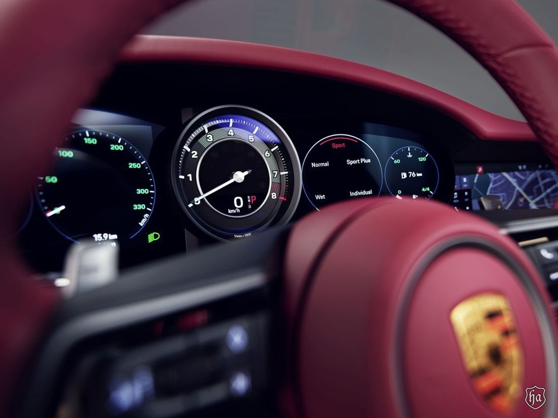 Porsche_911_Targa_4S_Heritage_Design_Edition_3