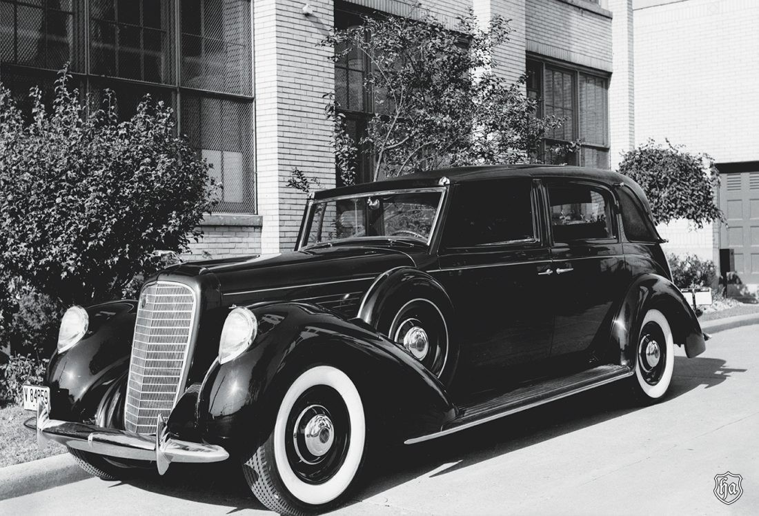 1939_Lincoln_ Model_K_V_12_body_by_Brunn