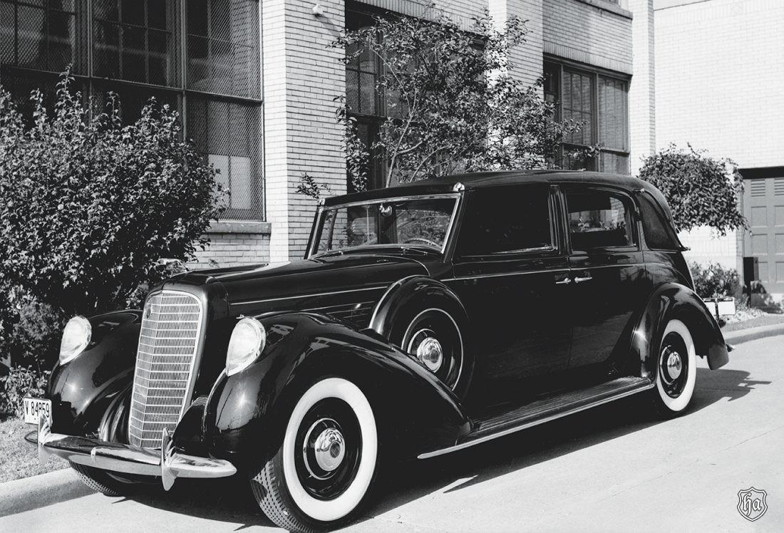 1939_Lincoln_ Model_K_V_12_body_by_Brunn