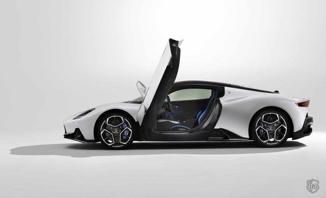 Maserati_MC20_side