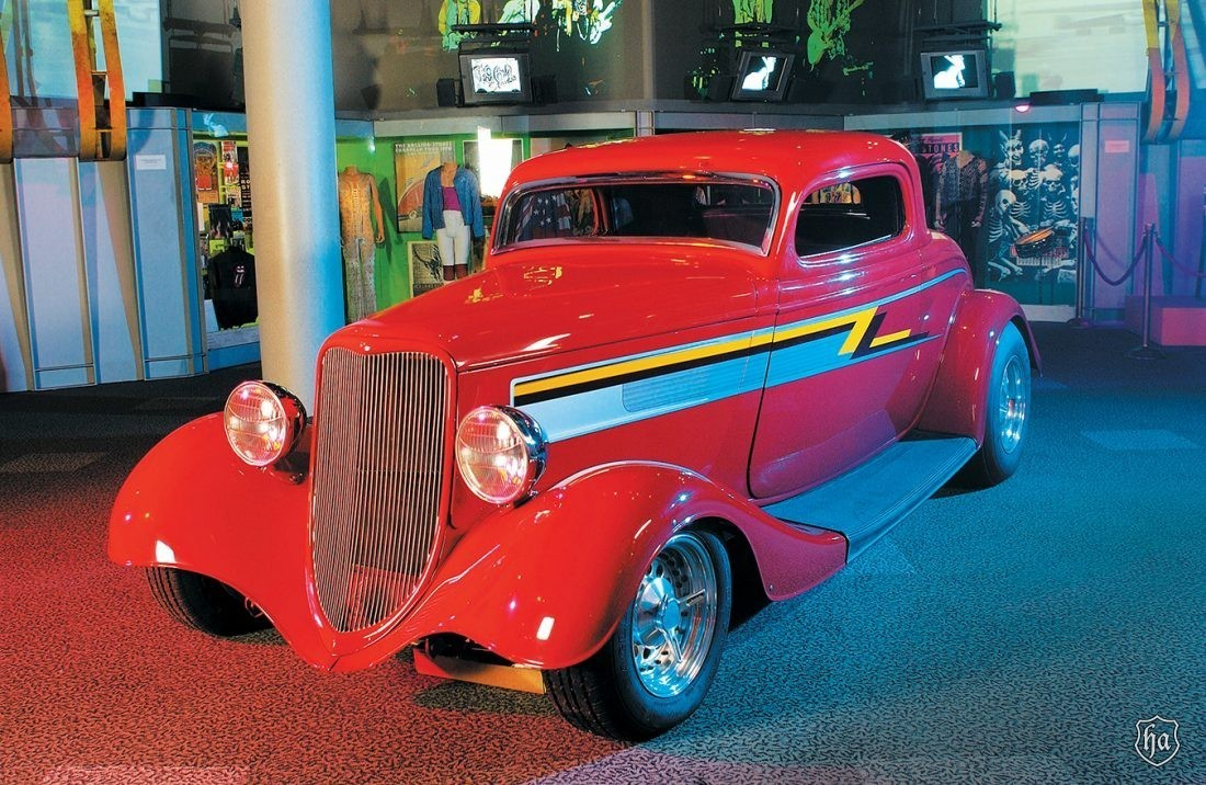 Bill_Gibbons_1933_Ford_Eliminator_Coupe_Rock_and_Roll_Hall_of_Fame