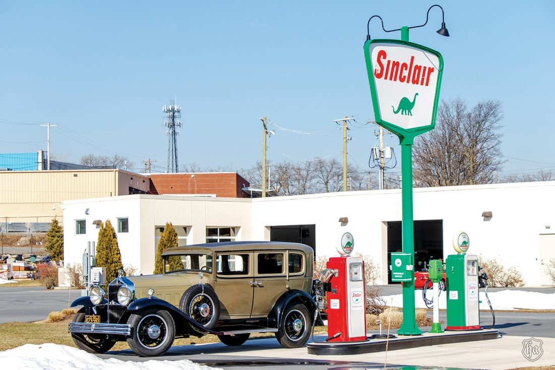 1929_Willys_Knight_series_66B_sedan