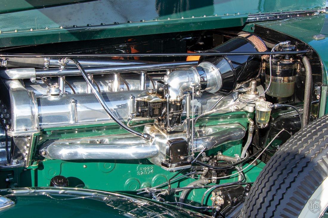 1933_Stutz_DV_32_Monte_Carlo_engine