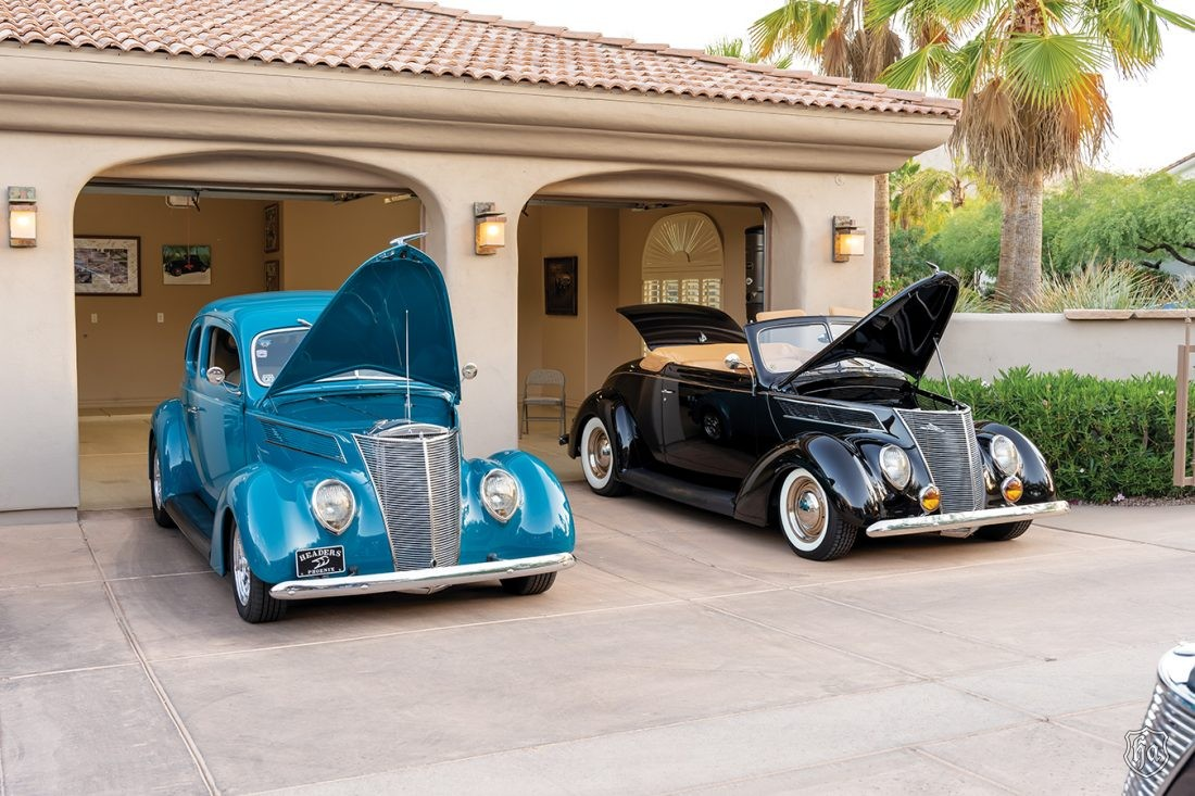 1937_Ford_Coupe_and_1937_Ford_Cabriolet