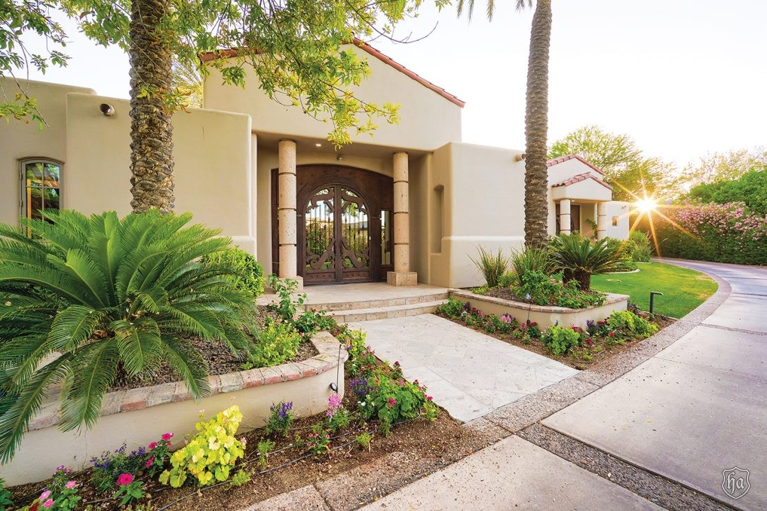 7453_N_70th_St_Paradise_Valley_AZ_Front_Entry